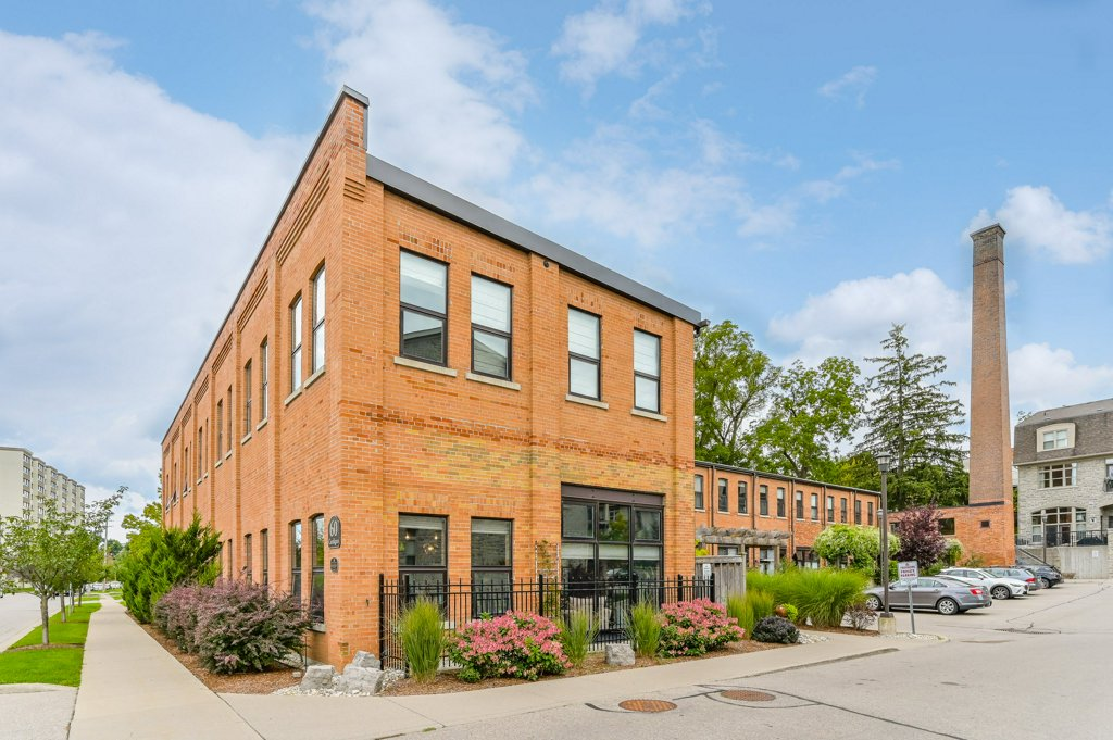 203 - 60 Cardigan St. Guelph ON